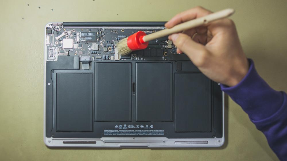 Как делать профилактику и чистку MacBook
